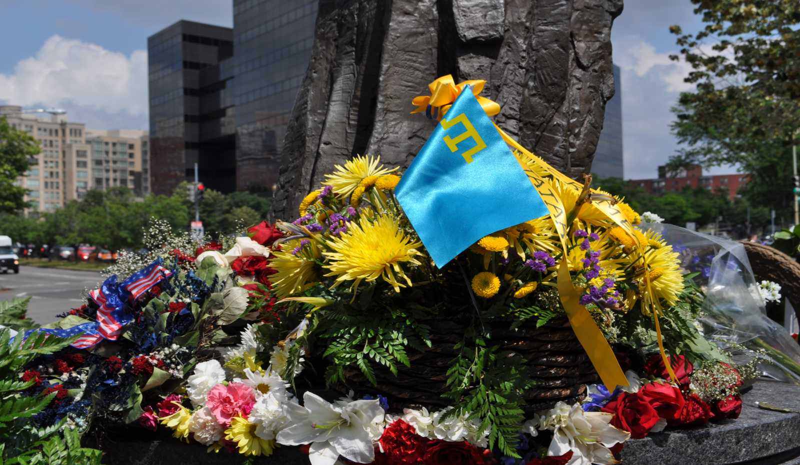 Flowers in memory of Crimean Tatar victims